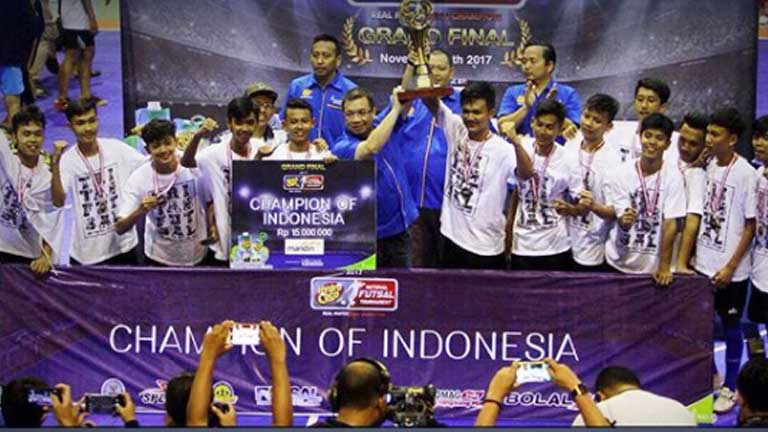 SMAN 3 Tasikmalaya Jadi Juara Grand Final Hydro Coco National Futsal Tournament 2017